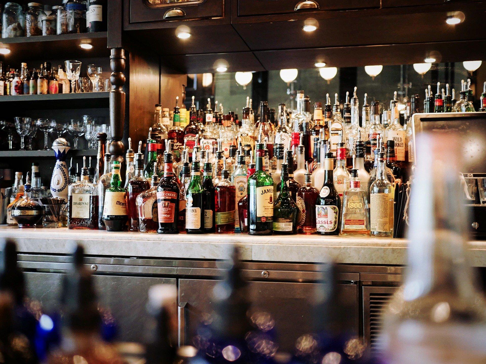 Lahve v baru