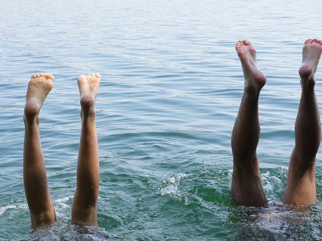 nohy nad vodou