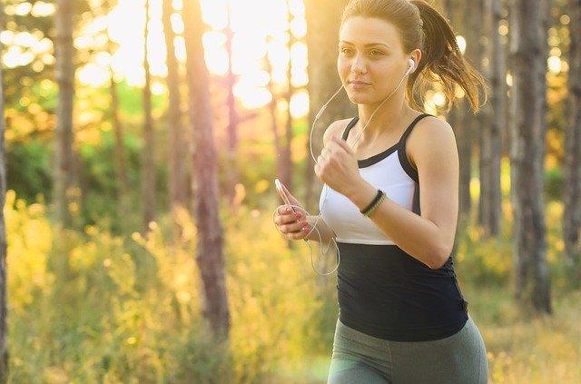 běhání s mobilem